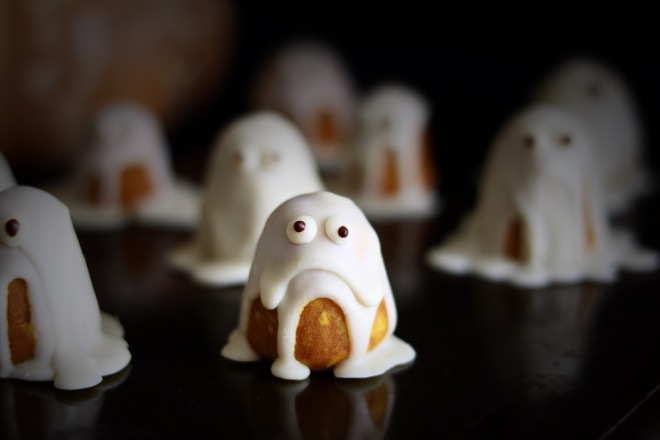 pumpkin ghost truffles